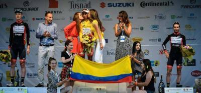 A lo más alto del podio del Tour de Sibiu en Rumania, ascendió el joven colombiano Egan Arley Bernal Gómez, para reclamar el título de la competencia rumana que terminó ayer.