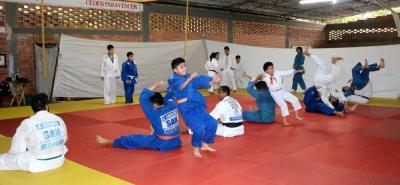 Con un Campamento Regional, en el que participaron yudocas de Santander y Cesar, la selección Santander de Judo se prepara para el Campeonato Nacional categorías sub 13, sub 15 y cadetes que se realizará el próximo mes en Valledupar.