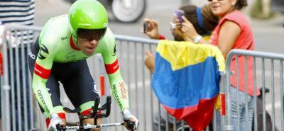 Haciendo una muy buena contrarreloj, en la que se chocó contra unas vallas, el colombiano Rigoberto alcanzó el segundo lugar del podio del Tour de Francia, convirtiéndose en el tercer pedalista nacional, tras Fabio Parra y Nairo Quintana que logra esa hazaña.