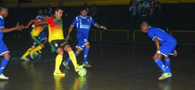Independiente Indersantander derrotó 5-1 a Heroicos de Cartagena en el coliseo Edmundo Luna Santos.