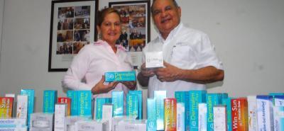 Un total de 12 productos farmacéuticos ha desarrollado la empresa de Miguel Ángel y su familia, los cuales han tenido muy buenos resultados en el mercado local, regional y nacional.