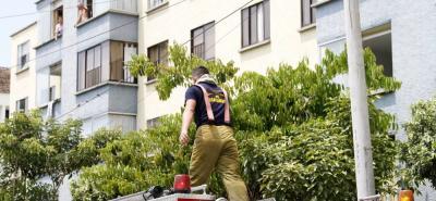 El Cuerpo de Bomberos de Bucaramanga atendió la emergencia en la Ciudadela Real de Minas.