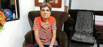 La mujer denuncia demoras en los tratamientos y falta de atención médica.