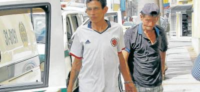 Alias 'Dairon', de 33 años y 'Gallo Basto', de 47 años, según las autoridades policiales, hurtaron $76 millones en una compraventa de vehículo de la carrera 18 con calle 24 del barrio Alarcón, de Bucaramanga.