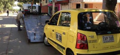 En lo que va corrido del año han sido sancionados e inmovilizados 175 vehículos de transporte público, de los cuales 65 son de radio de acción municipal (44 taxis y 21 buses).