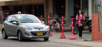 En el sector de Cañaveral, el espacio público es un 'dolor de cabeza'. La imagen fue captada en la calle 31 con carrera 23.