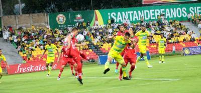 Atlético Bucaramanga derrotó 2-0 a Patriotas