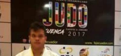El judoca santandereano Emanuel Steven Arias Sanabria logró la medalla de plata en el Campeonato Suramericano de Judo Cadetes y Júnior, disputado en Cuenca, Ecuador.