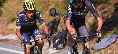 El colombiano Esteban Chaves del Orica - Scott brilló ayer en la parte final de la tercera etapa de la Vuelta a España, en la que terminó quinto y ascendió al sexto lugar de la general. 'El Chavito' fue el único pedalista en seguirle la rueda al británico Christopher Froome en el último ascenso.