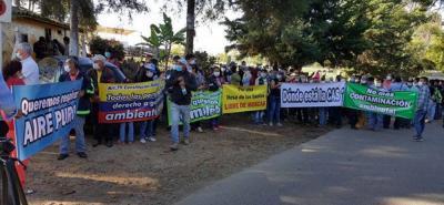 En varias oportunidades líderes de la Mesa de Los Santos han salido a marchar reclamando aire puro.