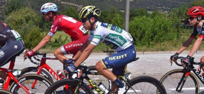 Esteban Chaves trepa el segundo lugar de la Vuelta a España