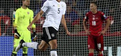 Alemania e Inglaterra se acercan a la Copa Mundo de Rusia 2018