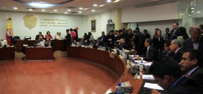 Gobierno Nacional no logra el consenso general en el Congreso de la República sobre la reforma política. Tribunal de Aforados volvió a encender la discusión.