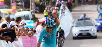 Los colombianos siguen en lucha por ingresar al podio.