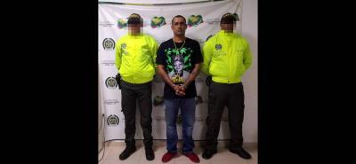 Cristian Camilo Areiza Murillo, alias 'Pillo Wey', fue capturado en Puerto Berrío, Antioquia, sindicado de ser el autor material de tres homicidios ocurridos en ese municipio. El hombres es, asimismo, señalado de ser el jefe de sicarios del Clan del Golfo.