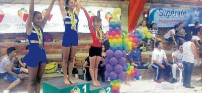 Sofía Salomé Aparicio Valencia subió a lo más alto del podio para ganar las fases municipal y departamental de los Juegos Intercolegiados y quedarse con el cupo para ir al Nacional.