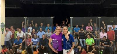 El congreso de entrenadores y la conferencia internacional de coaching de sqaush, tuvo tiempo para ver en acción a la australiana Sarah Fitzgerald ante la santandereana Lucia Bautista.