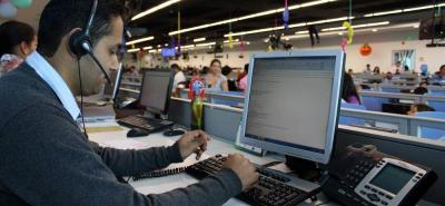 La oferta laboral es de Servicio al Cliente Bilingüe para compañías norteamericanas.