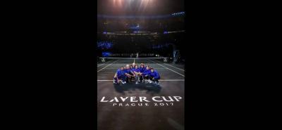 Los miembros del equipo europeo posaron con el trofeo de la Copa Laver de tenis, que tuvo como sede de su primera edición a Praga, en República Checa.