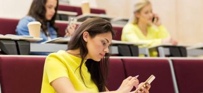 Las redes sociales más usadas por sus usuarios son WhatsApp y Facebook Messenger.