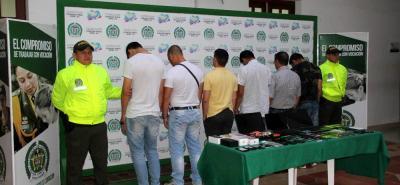 Siete integrantes de la banda 'Los Cuchos' fueron capturados por comercializar celulares hurtados.