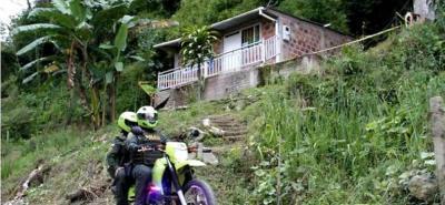 En esta vivienda se registraron los confusos hechos que dejaron como saldo la muerte de la mujer de 26 años.
