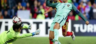 Cristiano Ronaldo, que salió desde el banco en la segunda parte, desatascó a una Portugal que mostró dificultades para crear peligro en Andorra.