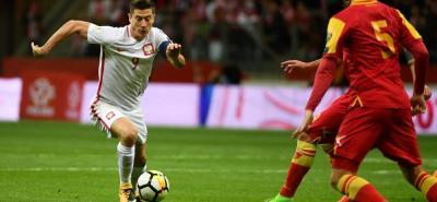 Un gol de Robert Lewandowski a cinco minutos del final devolvió la ventaja a Polonia ante Montenegro (4-2) que, en cinco minutos, logró equilibrar una desventaja de dos goles y que terminó superada y sin opción alguna de poder ir a Rusia, en medio de un final loco de partido.