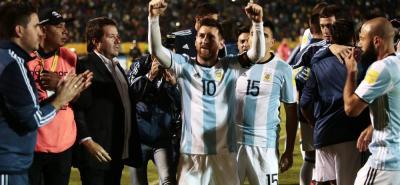 Gracias a la magia y al fútbol de Lionel Messi, Argentina logró clasificarse a la Copa Mundo de Rusia 2018, tras derrotar 3-1 a Ecuador en Quito, con tres tantos del '10' del Barcelona.