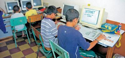 Los colegios y las escuelas oficiales se 'rajan' en materia de infraestructura, funcionamiento y bienestar estudiantil; tres aspectos en los cuales el 'Programa Bucaramanga Metropolitana Cómo Vamos' les hace duras críticas a los alcaldes del área metropolitana.