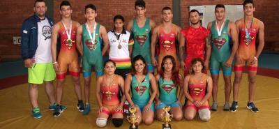 La selección Santander de lucha olímpica logró 12 medallas (5 de oro, 4 de plata y 3 de bronce) en la II Copa Colombia de la disciplina cumplida el pasado fin de semana en Mosquera.