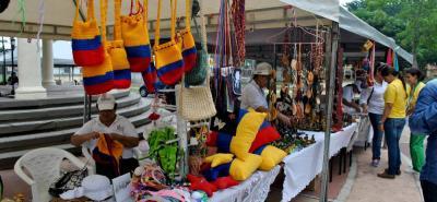 Al menos 220 artesanos en Santander hacen parte del programa Empoderarte 2017.