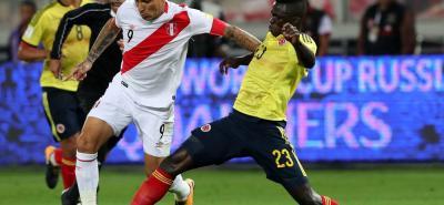 El delantero peruano Paolo Guerrero se perderá los partidos del repecha de su selección ante Nueva Zelanda al ser suspendido por la Fifa al dar positivo en un control antidopaje.