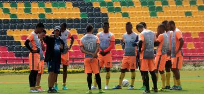 Ante Jaguares de Córdoba, Atlético Bucaramanga se juega uno de los partidos más importantes de los últimos meses, teniendo en cuenta que tiene la posibilidad de afianzarse en Primera División del balompié profesional colombiano.