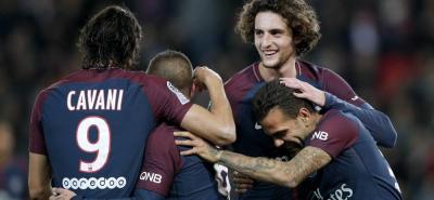 París Saint Germain doblegó 5-0 al Angers para confirmar su primer lugar en la Liga de Francia, por encima del Mónaco, que también le pasó por encima 6-0 al Guingamp.