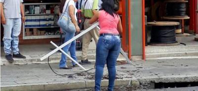 Caída de ventana de un hotel por poco ocasiona una tragedia en el Centro de Bucaramanga