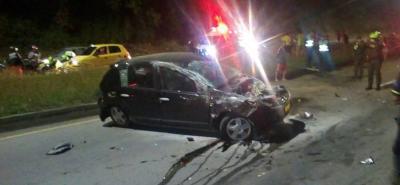 Según el conductor del vehículo, el accidente ocurrió cuando maniobró para no atropellar a un perro que se atravesó en la vía entre Bucaramanga y Girón.