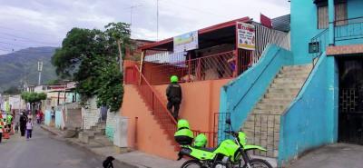 El incendio se registró el miércoles a las 3:00 de la tarde, en la carrera 25 con calle 2 del barrio Regaderos Norte, en Bucaramanga.