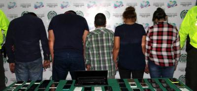 Las cinco personas detenidas quedaron a disposición de la Unidad de Reacción Inmediata, URI, de la Fiscalía, por el delito de receptación.