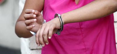 Rescatan a una niña de 12 años explotada sexualmente por su madre en Girón