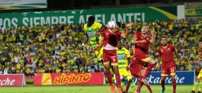 Atlético Bucaramanga dejó escapar la oportunidad de distanciarse del descenso, al empatar anoche 2-2 en calidad de local frente a Rionegro Águilas.