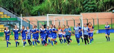 El grupo de jugadoras de Real Santander trabajó intensamente durante la semana para su partido de mañana ante Real Pasión de Bogotá, con la firme intención de darle vuelta a la serie.