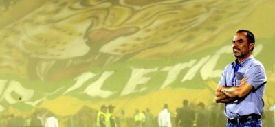 Los seguidores del Atlético Bucaramanga confían en que el entrenador Jaime de la Pava y sus pupilos consigan mantener al 'Leopardo' en la Primera División del fútbol nacional.