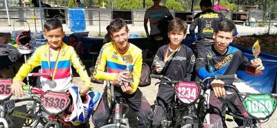 Juan David Adarmen, Sebastián Grandas, Jhon Esteban Alzate y Andrey Torres fueron algunos de los deportistas que le entregaron triunfos a Santander en la Copa Nacional de BMX.