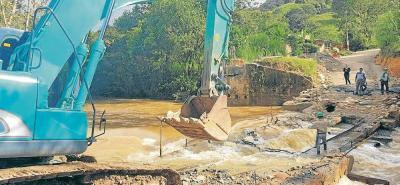 Gámbita está incomunicada por desbordamiento y derrumbes