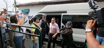 Al cierre de esta edición, continuaba la audiencia de solicitud de medida de aseguramiento contra Luis Francisco Bohórquez, por el caso de corrupción Manantial de Amor.