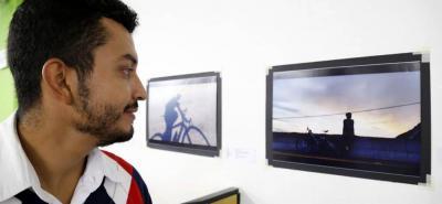 Una singular galería fotográfica, que incluye imágenes cotidianas captadas con teléfonos celulares, se exhibe en la biblioteca de las Unidades Tecnológicas de Santander, UTS.