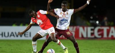 Deportes Tolima e Independiente Santa Fe iniciarán hoy en Ibagué la llave 2 de la ronda semifinal del fútbol profesional colombiano, juego de alta tensión, por el rendimiento de los equipos.