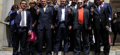 Ayer, 18 parlamentarios pertenecientes al Centro Democrático firmaron una carta de apoyo para que sea el precandidato Iván Duque quien encarne las banderas del uribismo.