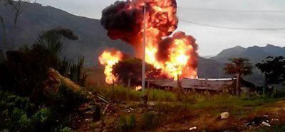 Las autoridades descubrieron y posteriormente destruyeron dos laboratorios artesanales para procesar coca.